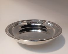 Round and deep serving tray, Christofle, France, 20th century model Perles, pearl rim