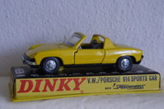 Dinky Toys - Scale 1/43 - V.W. Porsche 914 Sports Car no. 208