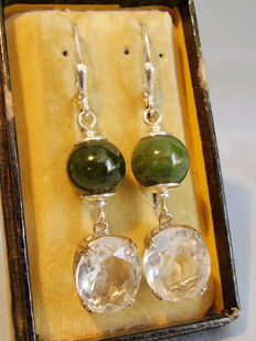 Earrings with faceted rock crystals of 10 ct and real green jade/jadite beads