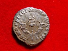 Roman Empire - Commodus (177 - 192 A.D.), silver denarius (3,15 g. 17 mm) from Rome mint. TEMP FELIC P M TR P XV COS VI. Winged caduceus. Very rare.