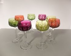 Val Saint Lambert - 8 high antique coloured hand-cut crystal, roemer glasses, early 1900, model Anvers