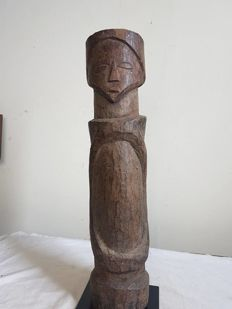 Old solid protection Pole on stand - KUSU - D.R. Congo