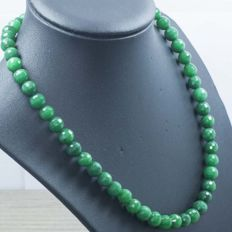 18 kt gold necklace of emerald – 47 cm