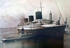 12 vintage press photo's of the SS. Normandie (1935)