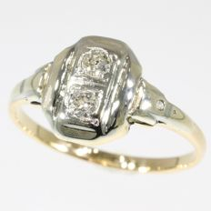 Art Deco ring with two old European cut diamonds, anno 1920