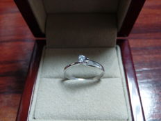18 kt gold ring with diamond, 0.11 ct, HSI