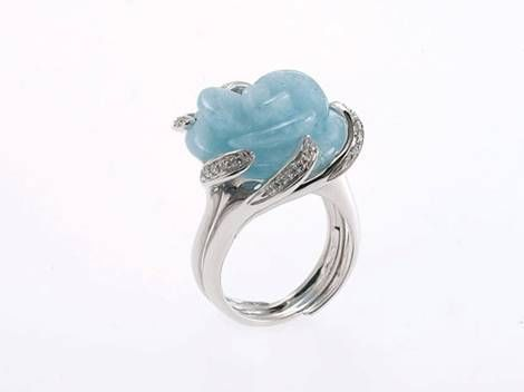 18kt White gold ring with aqua marine flower and brilliants 0,26ct - size 56