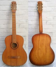 Folk classic guitar - CHERHINIV FACTORY - Ukraine - 1984 - solid wood