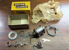 """New Old Stock"" Sturmey Archer 3-speed hub compleet met shifter"