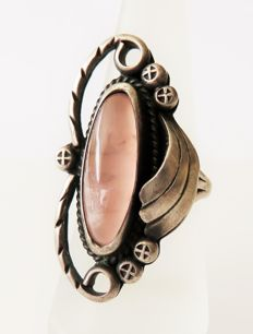 Native American IRENE PLATERO, sterling silver navajo ring with mother of pearl - handmade