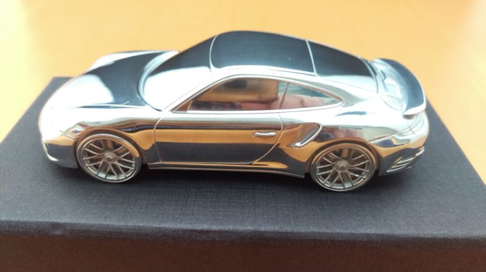 Porsche 911 991.2 Turbo 2015 - solid aluminium Paperweight in luxury gift packaging - scale 1/43