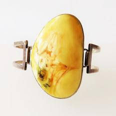 Art Deco 925 silver bangle bracelet with genuine Baltic butterscotch amber, approx. 36.8 g
