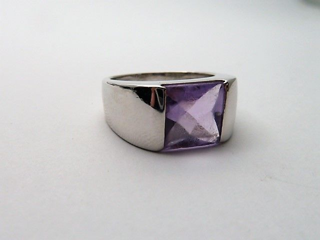 White gold 18 kt Ring with Amethyst - 17.9 mm