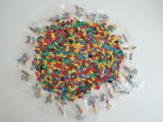 Märklin - 566 different colours plugs and 23 bags of 3 pieces