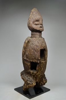 Superb standing desiccated male figure - BANGWA, BAMILEKE - Cameroon