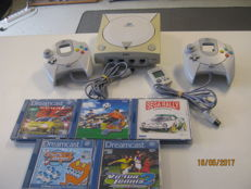 Sega Dreamcast incl 2 controllers and 5 original games.