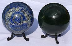 Fine, polished Lapis Lazuli and New Jade spheres - 70mm - 1.156gm  (2)