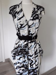 Karen Millen dress 38 (NL/DE) 40 (FR) 44 (IT) 12  (UK).
