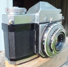 Old Camera ZEISS IKON CONTAFLEX 861/124 from 1954