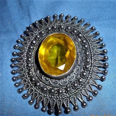 Large silver Brooch/Pendant set with a large yellow gemstone - Late 19th century