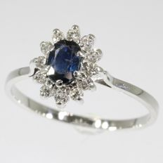 Vintage sapphire and diamond gold engagement ring - anno 1950