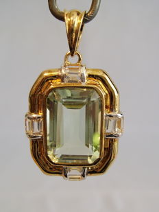 A pendant with facetted green amethyst (prasiolite) of approx. 8 ct.