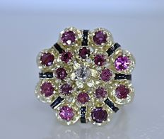 Ruby and Diamonds floral ring - No reserve price!