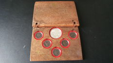 The Netherlands – Coin Set 'VOC 400 jaar' (400th anniversary Dutch East India Company) in ship's timber case