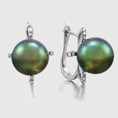 14kt white gold earring set with Tahitian black pearl 11 mm - **no reserve price**