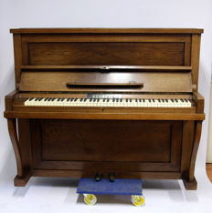 Neumeyer Piano ca. 1930
