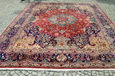 Original & exclusive Persia Iran Tabriz  300x400 cm Hand made  Signed by master's weaver Mozanar Falaki around 1990