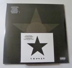 1 LP David Bowie Blackstar 180 Gram + CD Boxset Limited Edition with black star pin
