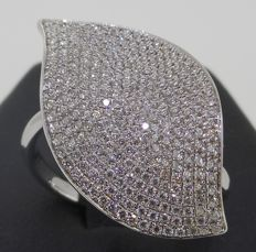 Handmade 18 kt white gold ring set with top quality brilliant cut diamonds 0.71 ct - Current ring size 54/O/7.5/14
