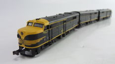 Brawa N - 1044 - Diesel locomotive FA2 & FB2 of the Erie Railroad