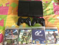 Playstation 3 Superslim 500 GB  incl 4 games , 2 joypads and hd cable
