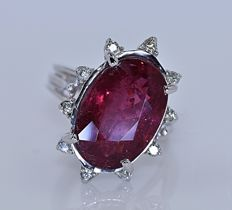 7.57 ct Red Tourmaline with Diamonds ring - No reserve price!
