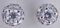 14 kt white gold ear studs set with cut diamonds, 0.50 ct in total *** No reserve price ***