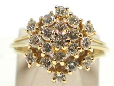 Vintage diamond cluster ring total: 1,60ct.