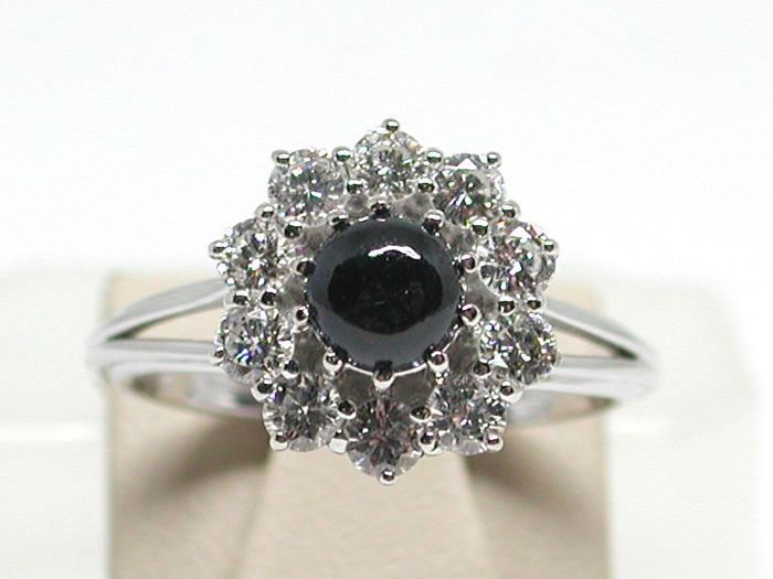 Diamond & Sapphire Engagement Ring total: 1,80ct. - Ring size 51