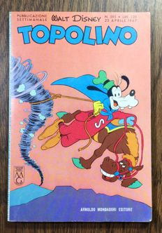 Walt Disney - Topolino no. 595, with Total postcard and sticker pack (1967)