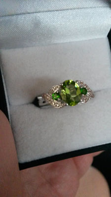 Beautiful Changbai Peridot, Chrome Diopside with Diamond dress ring. No reserve 925