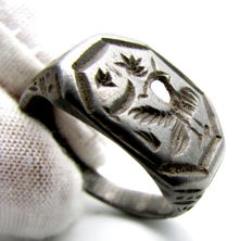 "Ancient Roman Silver Intaglio Ring with Engraved ""Siren"" - Mythological Creature -  20 mm"