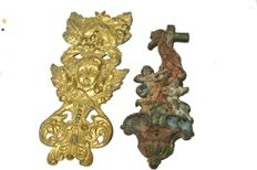 Two decorative elements with little angels