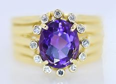 3.04 Ct Amethyst and Diamonds ring - No reserve price!