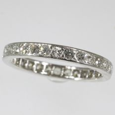 Vintage platinum eternity ring with 30 diamonds - anno 1950