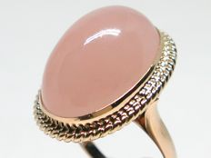Pink quartz cocktail ring total: 16,00ct.