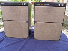 Beautiful vintage 1974 Philips 22RH544 High End Direct Reflecting Motional Feedback Speakers - With complete cables
