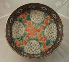 Imari bowl with double foot-ring - Japan - Late Edo period (Edo Period)