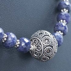 Silver (925/1,000) Balinese design necklace with faceted sapphires of 126.40 ct - Length: 50
