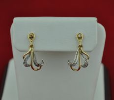 "Diamonds set on 18karat Gold Antique ""Dangle"" Earrings - Size 20mm x 12mm"